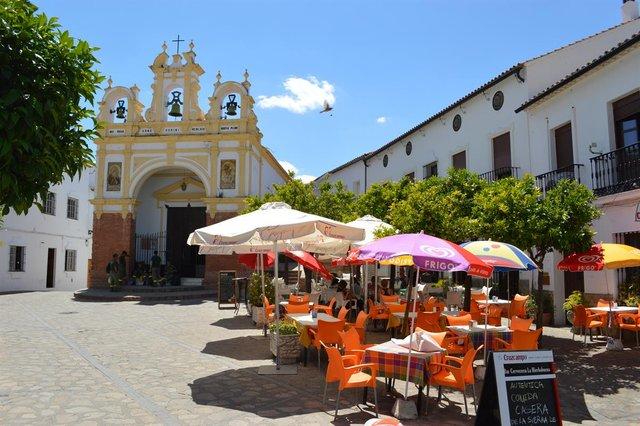 Як невелике іспанське місто убезпечило себе від коронавірусу - фото 396042