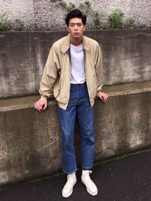 Як і з чим носити чоловічі бомбери: 10 модних образів на всі випадки життя - фото 396222