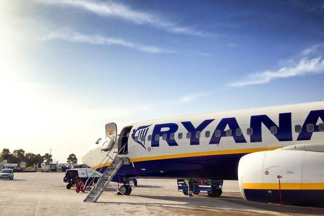 Ryanair дозволили здійснювати рейси між Італією та Україною - фото 396395
