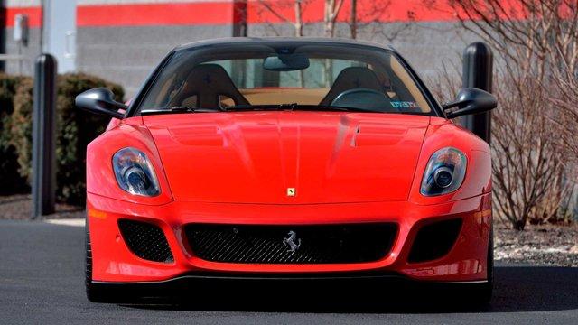 Рідкісну Ferrari 599 GTO виставили на аукціон - фото 396605