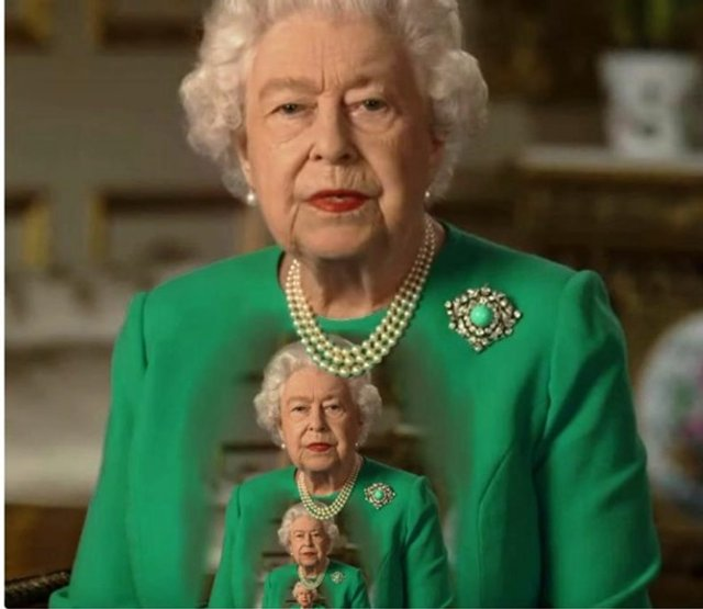 Єлизавету II перетворили на новий мем - фото 396698