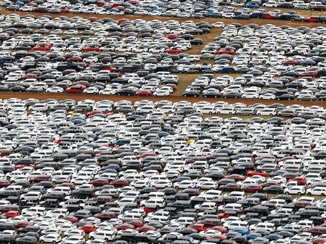 Дивіться, як виглядає 'кладовище' орендованих автомобілів - фото 396899