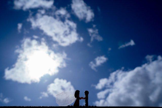 Карантин – не завада: весільний фотограф зробив фотосесію для Lego-молодят - фото 398109