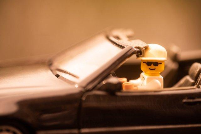 Карантин – не завада: весільний фотограф зробив фотосесію для Lego-молодят - фото 398110