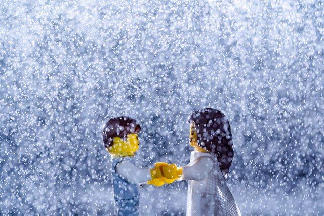 Карантин – не завада: весільний фотограф зробив фотосесію для Lego-молодят - фото 398115