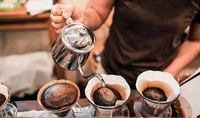 Науковці рекомендують пити фільтровану каву - фото 399828