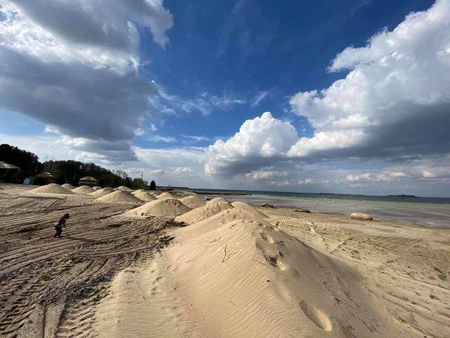 Озеро Світязь критично обміліло і стало схожим на пустелю: фото - фото 400577