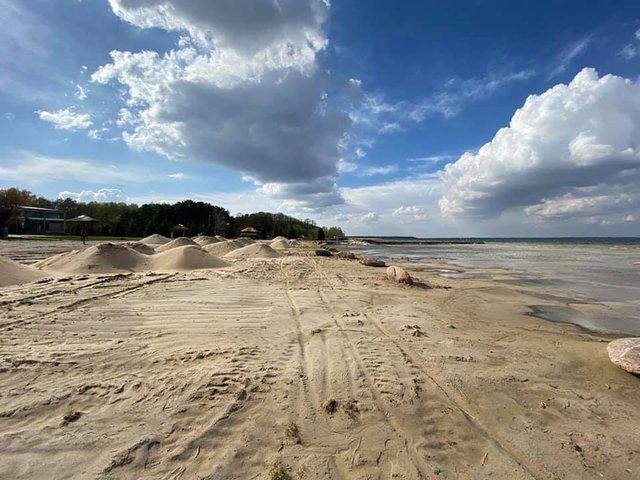 Озеро Світязь критично обміліло і стало схожим на пустелю: фото - фото 400579