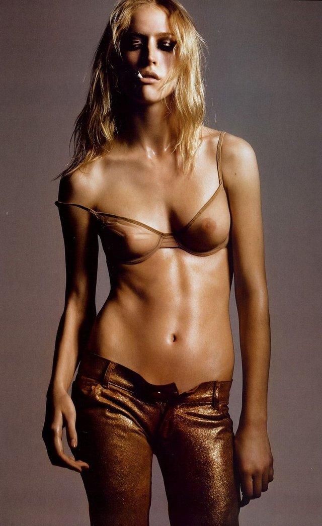 Як змінилася гаряча бразилійка Ракель Циммерман: фото моделі 18+ - фото 401062