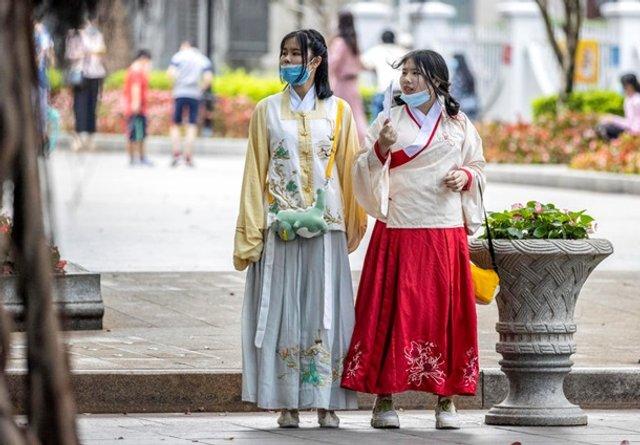 У Китаї знову дозволили туризм і подорожі - фото 401482