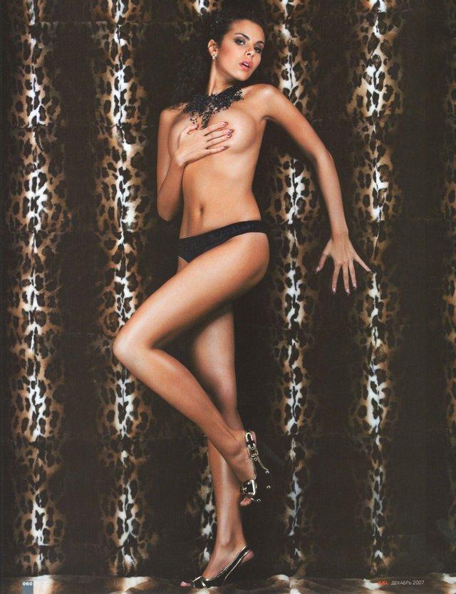 Найгарячіші образи Насті Каменських за всю кар'єру: добірка фото іменинниці (18+) - фото 401898