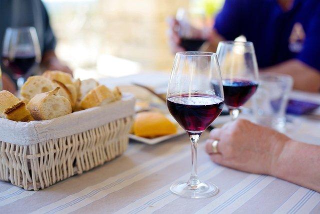 Чи допомагає вино схуднути - фото 401917