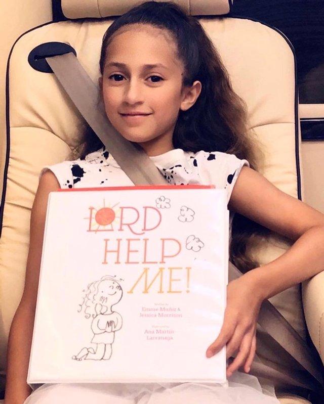 Дочка Дженніфер Лопес написала книгу в 12 років - фото 404008