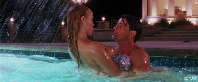 Спекотний кіноперегляд: найкращі секс-сцени з популярних фільмів - фото 404315