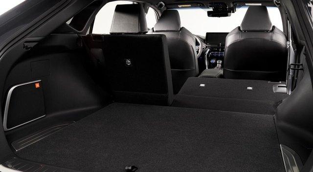 Кросовер Toyota Venza здивував ультрасучасним дизайном - фото 404872