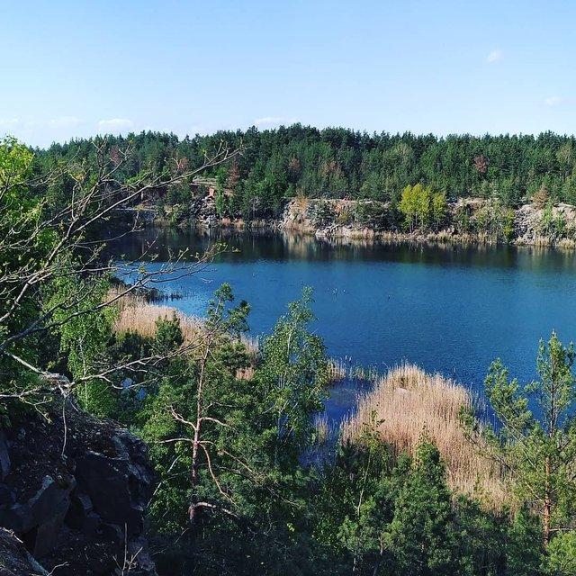 Коростишівський кар'єр на Житомирщині: ідеальне місце для відпочинку на вихідних - фото 405186