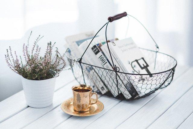 Чому не варто пити більше 6 горнят кави за день - фото 405222