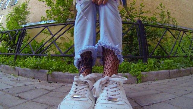 У моду повернулися джинси, популярні в 90-х - фото 405505