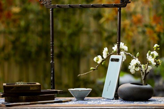 Дорожчий за iPhone 11 Pro Max: представлений колекційний Meizu 17 Pro - фото 405729