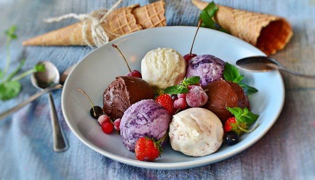 Як правильно їсти морозиво, щоб було смачно - фото 405880