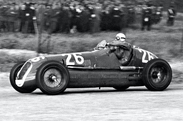 Maserati показала нові фотографії суперкара MC20 - фото 406237