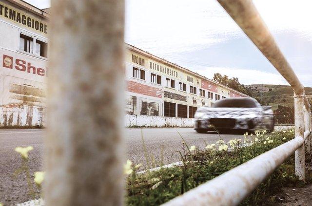 Maserati показала нові фотографії суперкара MC20 - фото 406238