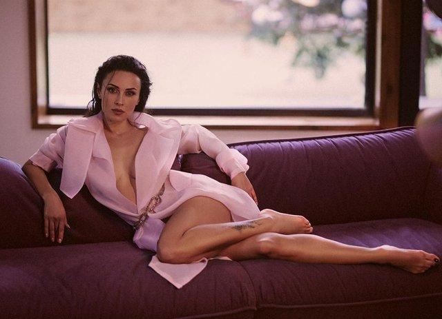 DJ NANA випромінює сексуальність на новому фото - фото 407230
