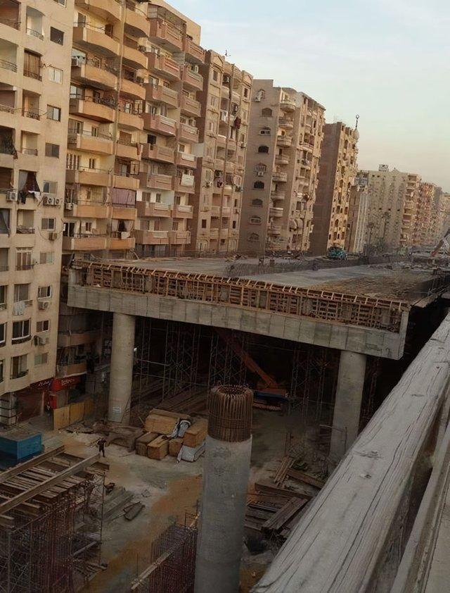 В Єгипті будують шосе впритул до житлових будинків: шокуючі фото - фото 407290