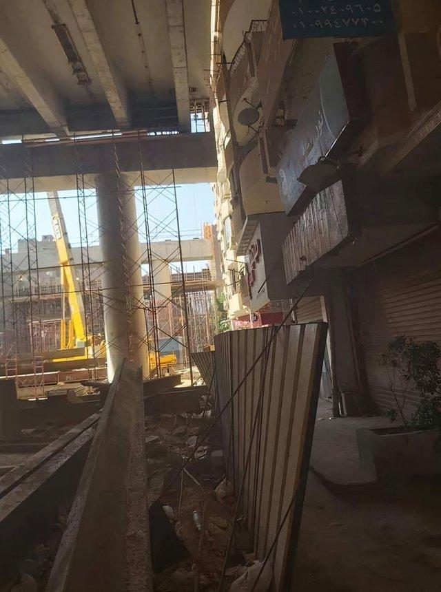 В Єгипті будують шосе впритул до житлових будинків: шокуючі фото - фото 407292