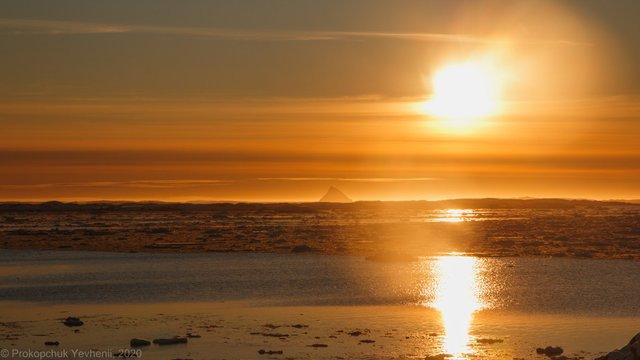 Українським науковцям вдалося сфотографувати кришталеву піраміду Антарктиди - фото 407574