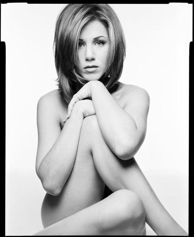 Дженніфер Еністон продає своє голе фото - фото 407617