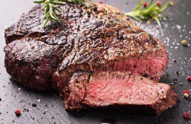Як приготувати ідеальний стейк на грилі: 15 секретів від американських шеф-кухарів - фото 408739