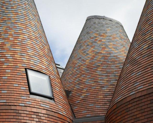 В Англії архітектори створили дім у вигляді хмелесушарки: ефектні фото - фото 408859