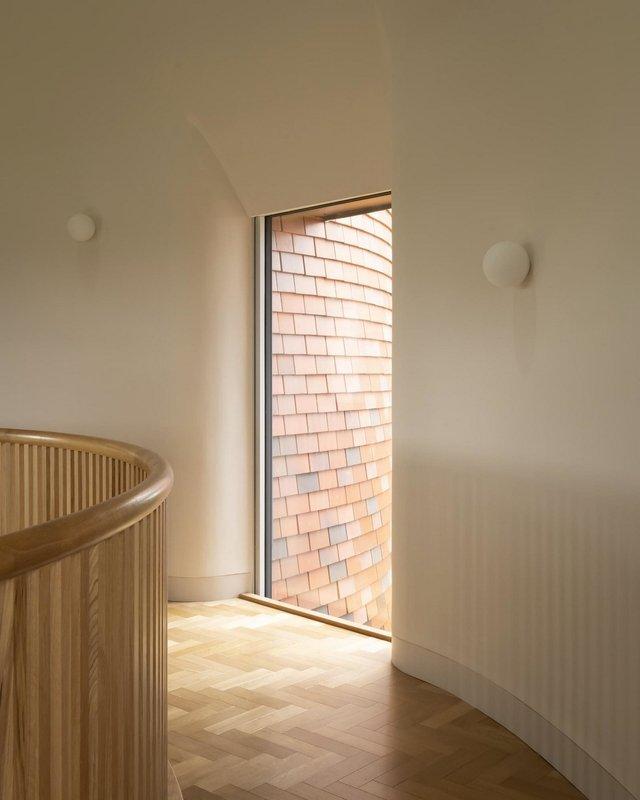 В Англії архітектори створили дім у вигляді хмелесушарки: ефектні фото - фото 408860