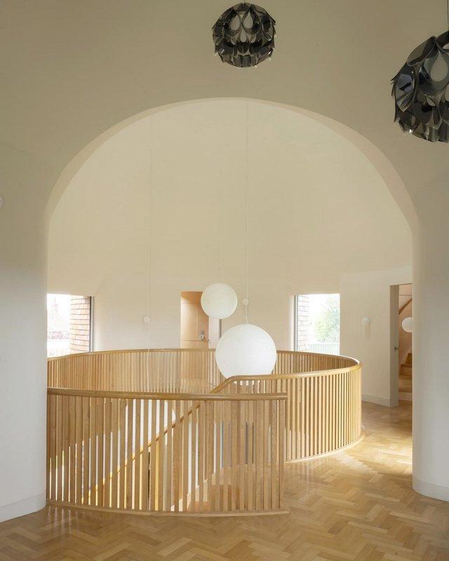В Англії архітектори створили дім у вигляді хмелесушарки: ефектні фото - фото 408865