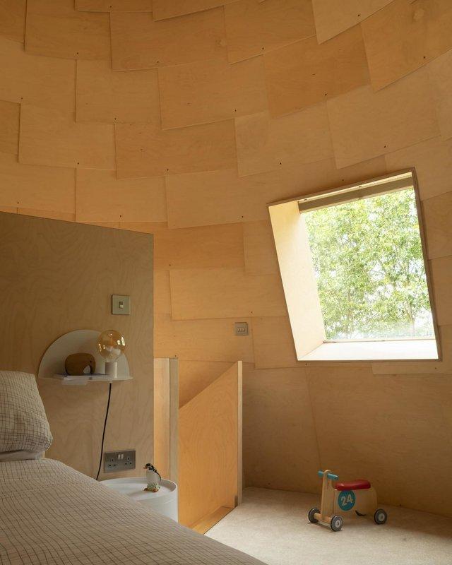 В Англії архітектори створили дім у вигляді хмелесушарки: ефектні фото - фото 408869