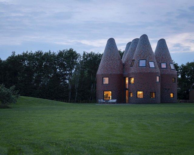 В Англії архітектори створили дім у вигляді хмелесушарки: ефектні фото - фото 408870