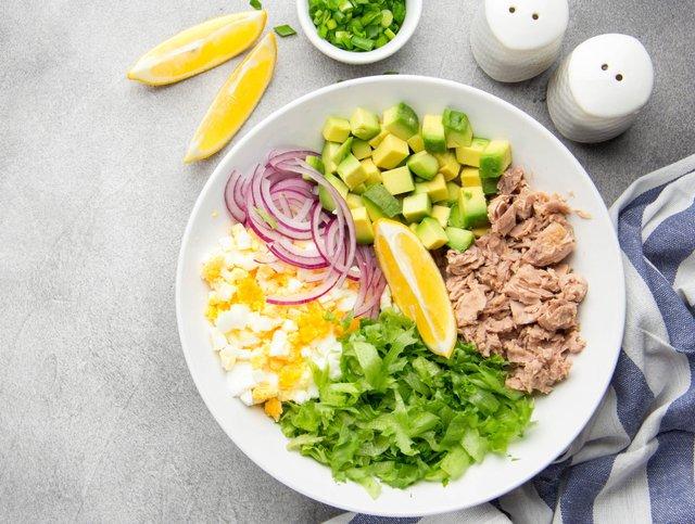 Можете додати до свого сніданку тунець - фото 409138