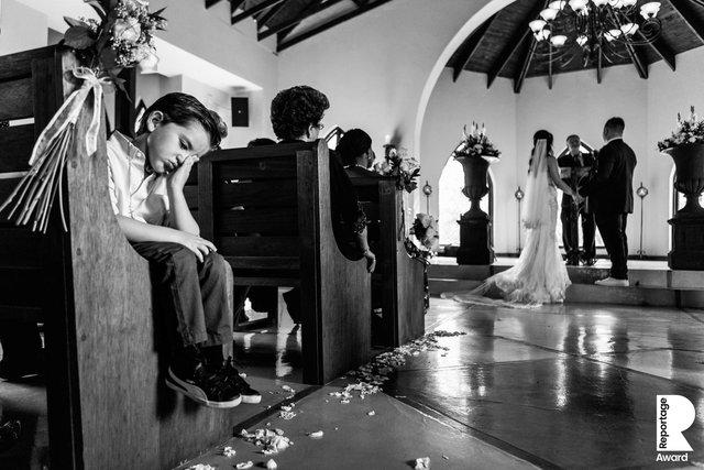 Від сліз до реготу: добірка весільних фото, які не залишать вас байдужими - фото 409269