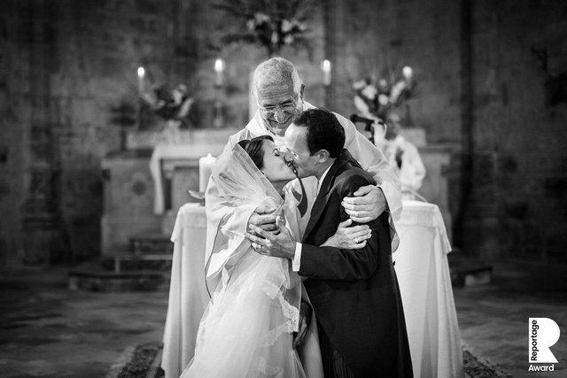 Від сліз до реготу: добірка весільних фото, які не залишать вас байдужими - фото 409270