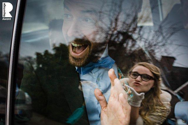 Від сліз до реготу: добірка весільних фото, які не залишать вас байдужими - фото 409276