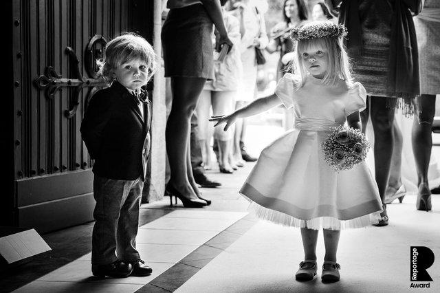 Від сліз до реготу: добірка весільних фото, які не залишать вас байдужими - фото 409277