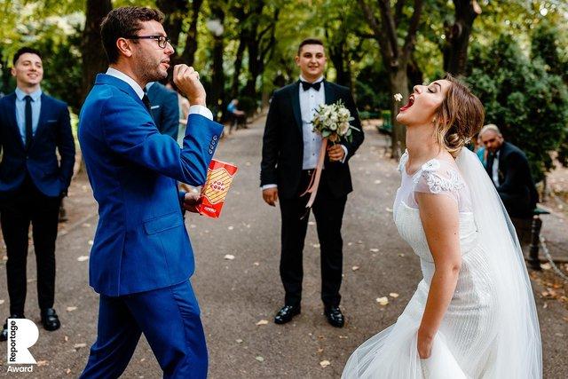 Від сліз до реготу: добірка весільних фото, які не залишать вас байдужими - фото 409287
