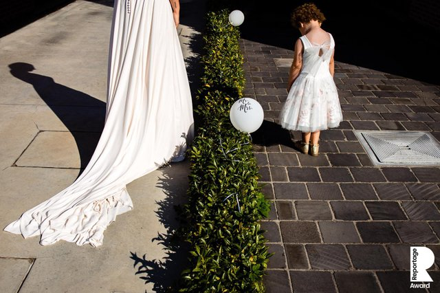 Від сліз до реготу: добірка весільних фото, які не залишать вас байдужими - фото 409297