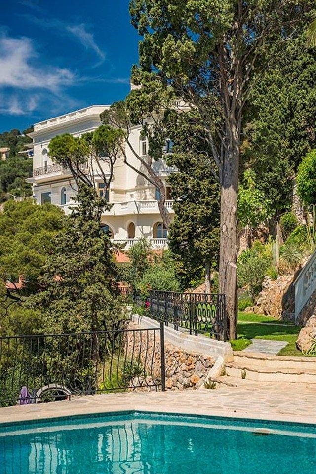 Шон Коннері продає розкішний особняк за 30 мільйонів євро - фото 409484