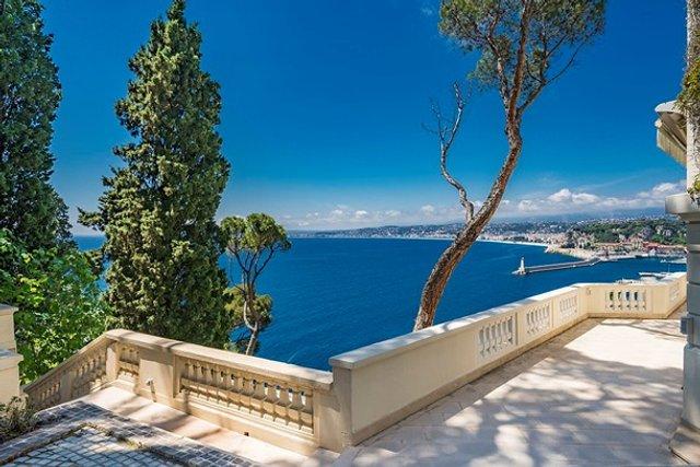 Шон Коннері продає розкішний особняк за 30 мільйонів євро - фото 409486
