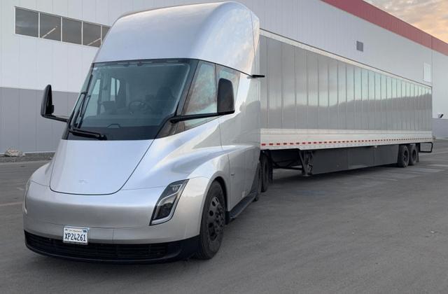 Tesla Semi - фото 409634