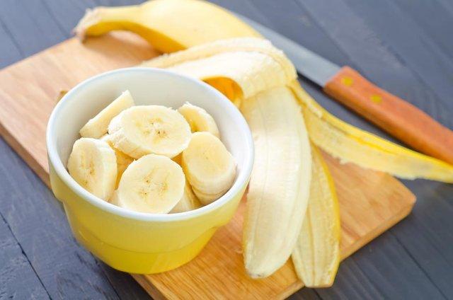 Не зберігайте банани з іншими фруктами й овочами - фото 409869