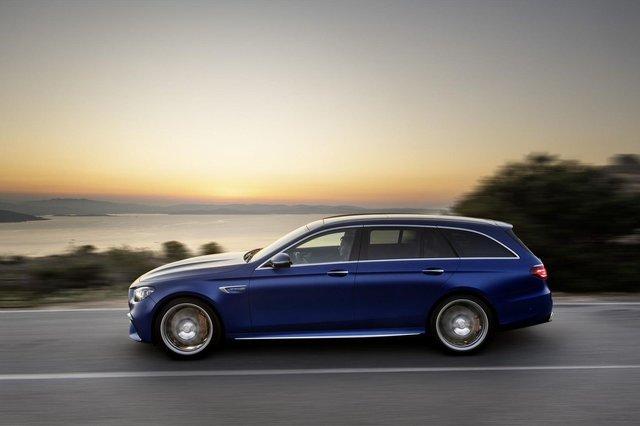 Представлено оновлений Mercedes-AMG E 63: чим здивували німці - фото 410909
