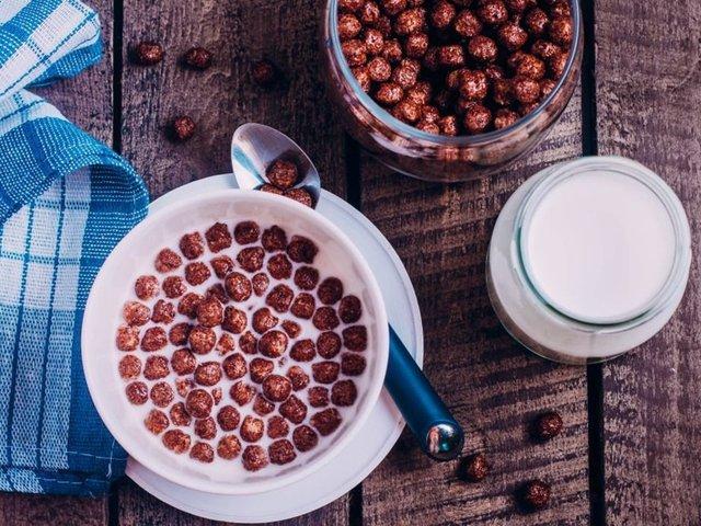 Уважно вивчіть склад сухих сніданків - фото 411100